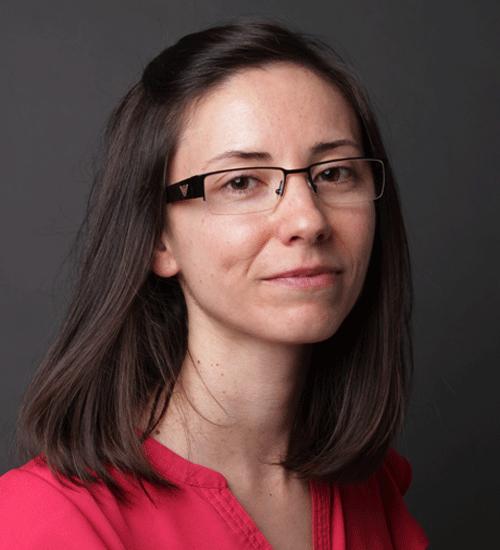 Maria Merino directora del departamento de investigación de resultados en salud